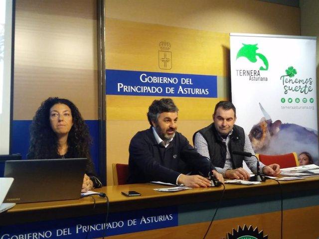 Alejandro Calvo en el centro.