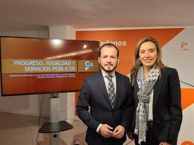 El portavoz del Grupo Parlamentario Ciudadanos, Pablo Baena, ha ofrecido una rueda de prensa junto a la diputada Belinda León para presentar las enmiendas de Ciudadanos a los prespuestos: 96 por un valor de 91,5 millones