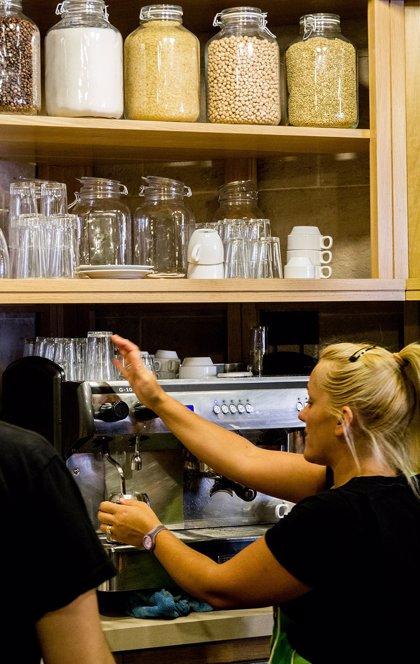 CCOO denuncia el incremento de precariedad femenina en el sector de la hostelería