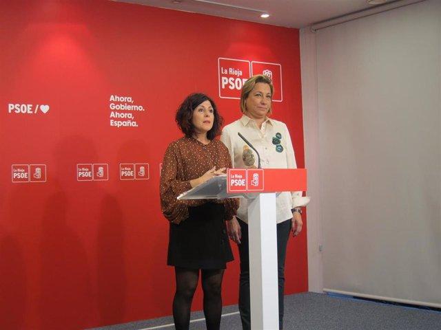 La alcaldesa de Villamediana, Ana Belén Martínez, junto a la senadora socialista, María Victoria de Pablo