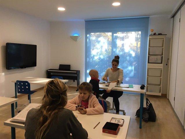La Casa Ronald McDonald de Barcelona ofrece atención educativa domiciliaria a los niños enfermos que aloja