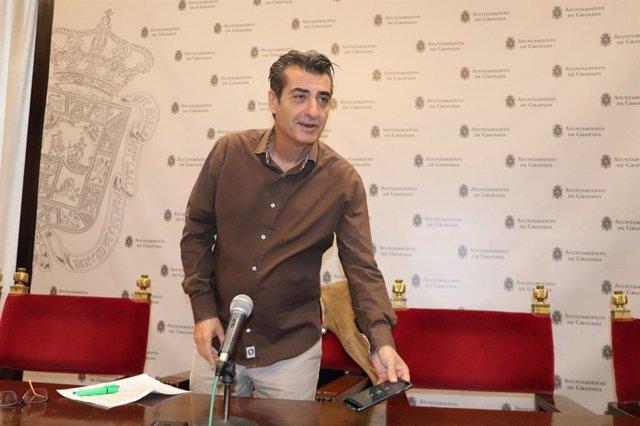 El portavoz del grupo municipal de Podemos-IU en Granada, Antonio Cambril