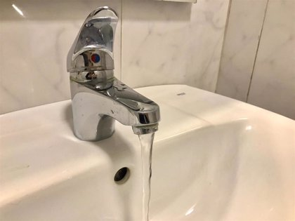"""Empresas de saneamiento y abastecimiento defienden la calidad y garantías del agua de grifo, """"apta en todo caso"""""""