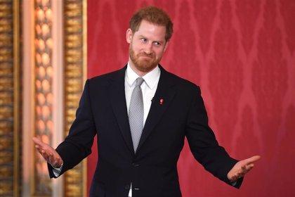Tenemos príncipe Harry para rato, vuelve a Buckingham por sus compromisos con la Corona