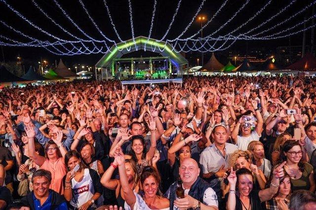 Público. Espectadores. Concierto. Gente. Festival Inercultural de Santander