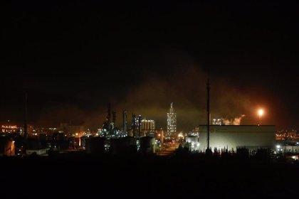 Experto del CSIC urge a retirar los restos de carbonilla que han impregnado la zona de la explosión en Tarragona