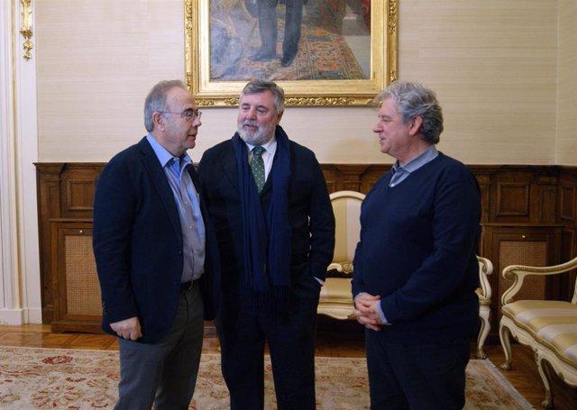 Bugallo y representantes del Colegio Oficial de Médicos de A Coruña