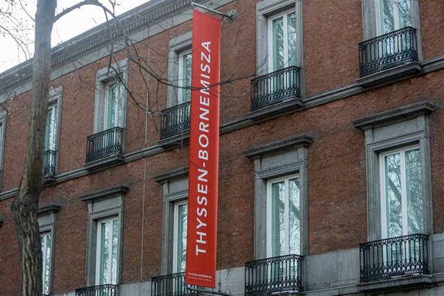 Banderola en la fachada del Museo Thyssen-Bornemisza, en Madrid a 14 de enero de 2020.