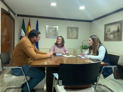"""El alcalde de Guillena pide acabar con los """"déficit"""" del centro de salud y arreglar la carretera SE-3411"""