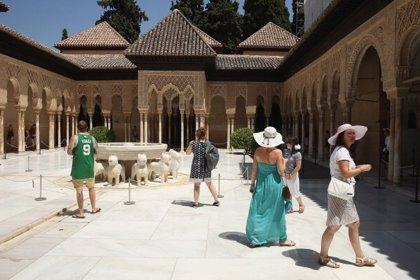 """Empresarios advierten sobre aspectos del sistema de entradas de la Alhambra de Granada """"casi imposibles de cumplir"""""""