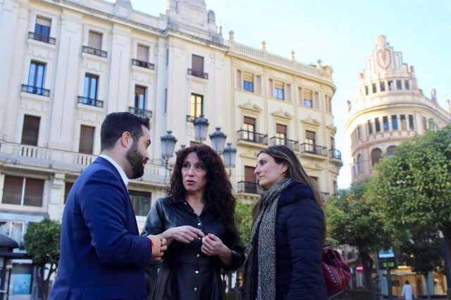 Rocío Ruiz, Sara Giménez y Francisco Carrillo.