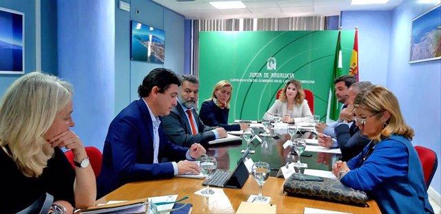 Mestre con los delegados provinciales en Cádiz
