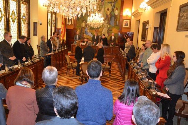 Minuto de silencio en la Diputación de Lleida.