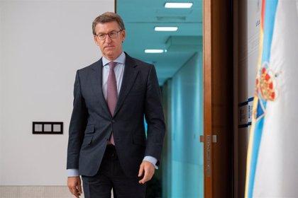 """Feijóo ve """"mucho más verosímil"""" la fecha del AVE que plantea Bruselas que las """"engañosas"""" del Gobierno"""