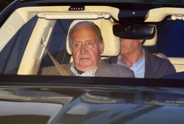 El Rey Juan Carlos visita a Simoneta Gómez-Acebo