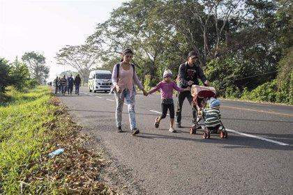 La nueva caravana centroamericana llega a Guatemala desde Honduras