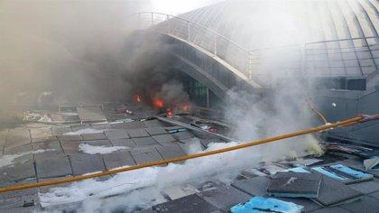 Estabilizado el incendio en el aeropuerto de Alicante-Elche