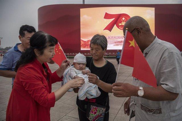 China.- Los nacimientos descienden en China por tercer año consecutivo