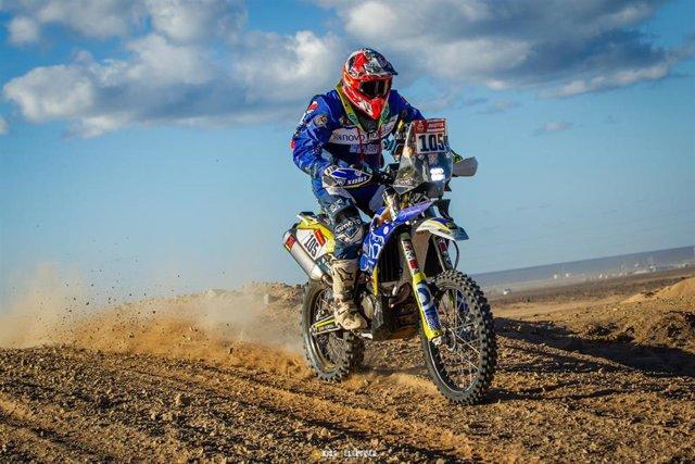 Daniel Albero, primer diabético en el Rally Dakar, durante la competición.