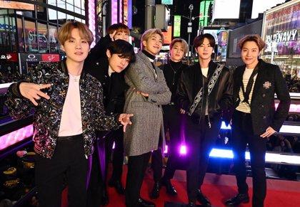 BTS regresan a lo grande con la hipnótica 'Black swan' (y un videoclip de lo más artístico)