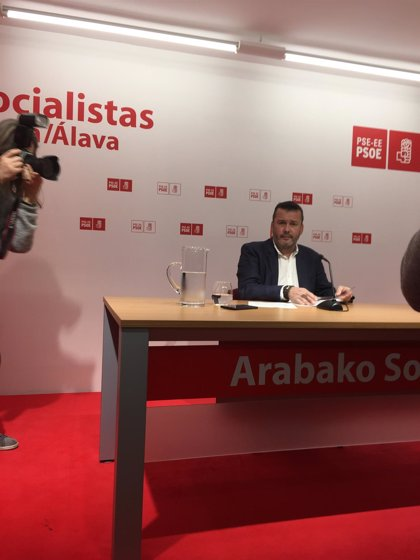 """El socialista Javier Martínez dimite como alcalde de Iruña de Oka por """"el clima de desgobierno"""" en el Ayuntamiento"""