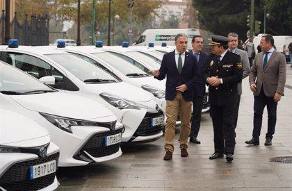 La Junta adquiere 22 vehículos híbridos camuflados para la Unidad de Policía Adscrita y reclama al Gobierno más agentes