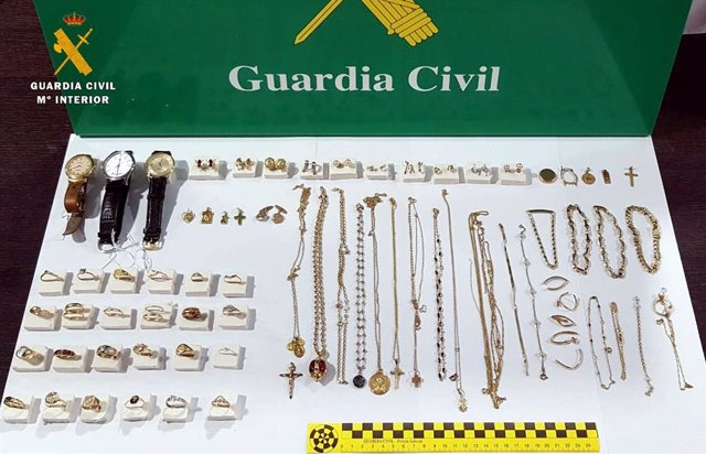 Rdo. Nota De Prensa Guardia Civil (Nueva Detencion Por Robos En Viviendas Y Recuperadas Más De 80 Piezas De Joyería)