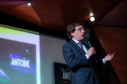 """Almeida señala que la propuesta de traer el Mobile a Madrid no es """"un reto contra Barcelona"""""""