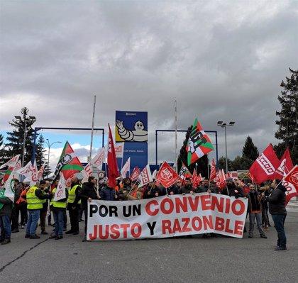 """Sindicatos de Michelin advierten de movilizaciones si la dirección no cambia su """"injusta"""" oferta de convenio"""