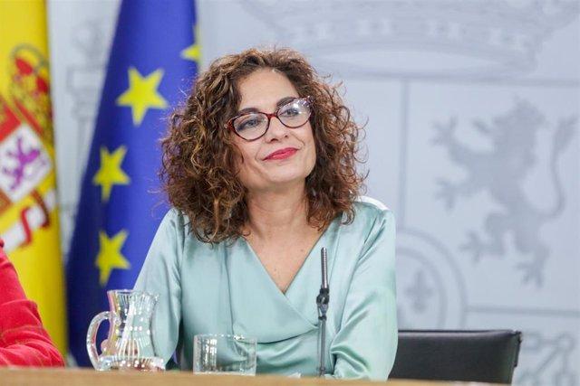 La ministra de Hacienda y Portavoz del Gobierno, María Jesús Montero comparece ante los medios de comunicación tras la segunda reunión del Consejo de Ministros del Gobierno de coalición del PSOE y Unidas Podemo.