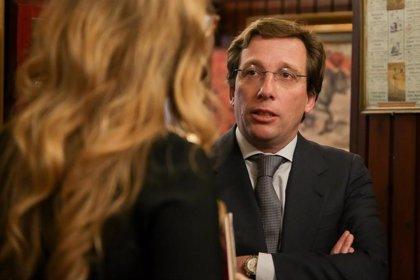 """Almeida dice que no es """"función del Ayuntamiento"""" investigar el visado que Monasterio usó en el loft de Arturo Valls"""