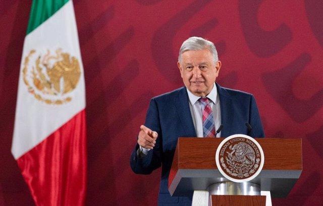 """Centroamérica.- López Obrador ofrece """"más de 4.000 empleos"""" a las caravanas de m"""