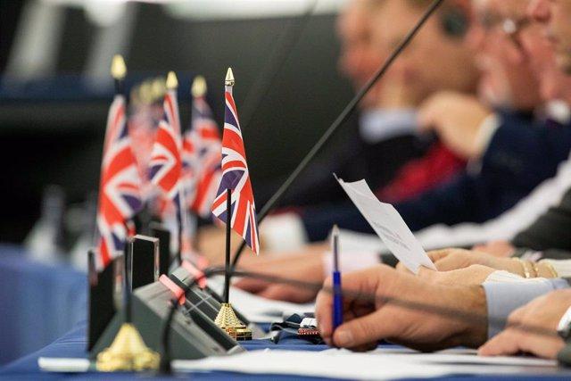 Banderas de Reino Unido en el Parlamento Europeo