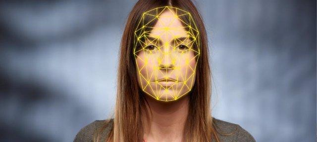 Shanghái prueba terminales con reconocimiento facial en farmacias para luchar co