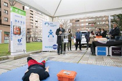 Instalada la primera torre de cardioprotección de Pamplona en la vía pública