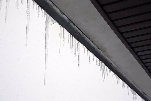 Imatge de temporal, neu, pluja, fred, hivern, carretera, quitanieves
