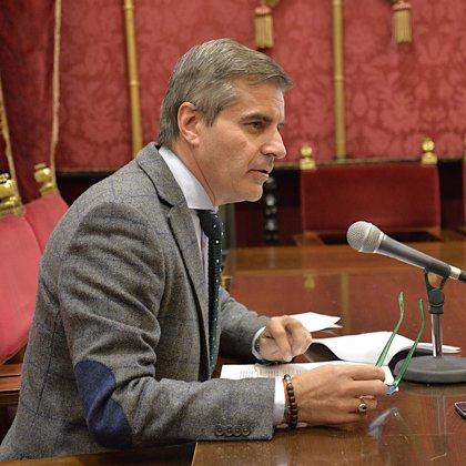 El Ayuntamiento de Granada refuerza la Policía medioambiental para luchar contra las pintadas
