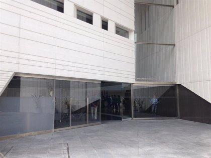 "El Centro Lorca da voz al ""arte vivo"" con la exposición 'Pavimento Infinito. Mapa. Sala. Arpa. Alba.'"