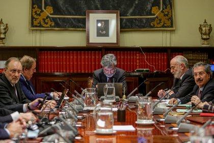 Los vocales designados por el PP que respaldaron la propuesta de Lesmes también cuestionan la independencia de Delgado