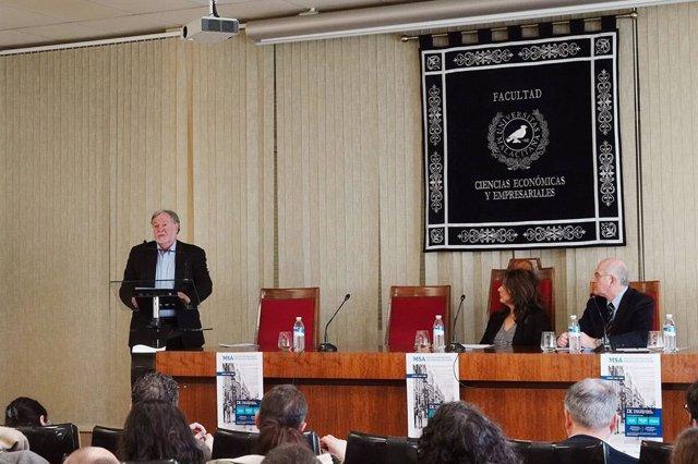 """El sociólogo José Casanova opina que la secularización en Europa """"es una singula"""