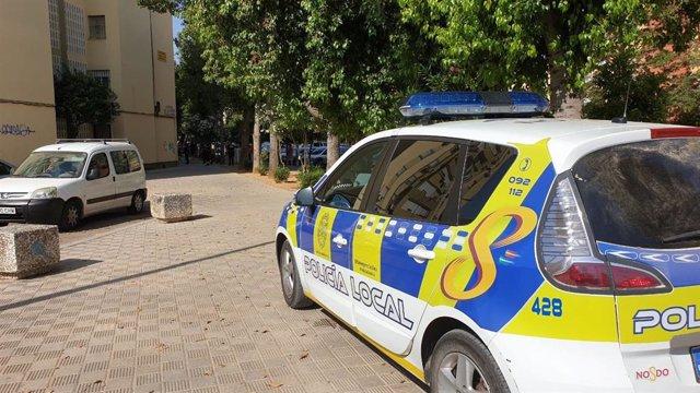 Coche de Policía Local de Sevilla, en una imagen de archivo