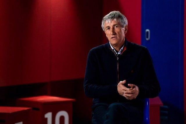 El entrenador del FC Barcelona, Quique Setién, en una entrevista en Barça TV