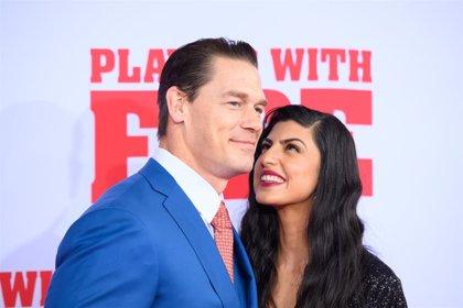 """John Cena protagoniza 'Jugando con fuego': """"Los bomberos son los héroes más valientes"""""""