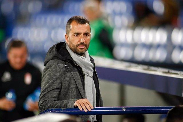 El entrenador del Granada, Diego Martínez, en el partido contra el Getafe en el Coliseum Alfonso Pérez