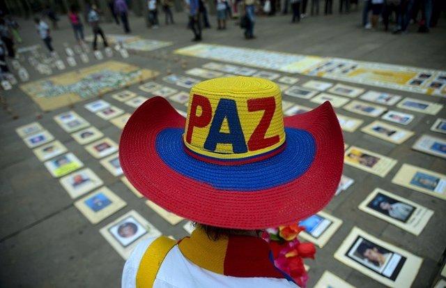 Acto de apoyo al proceso de paz en Colombia