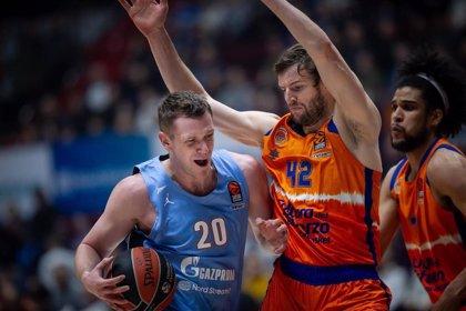 El Valencia Basket gana en San Petersburgo y huele los 'playoffs'