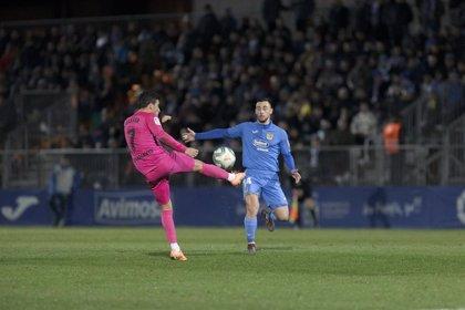 El Fuenlabrada guarda el 'playoff' con un empate ante el Málaga