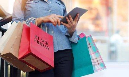 Los canarios gastaron 1.937 euros de media en compras por internet durante 2019, principalmente en viajes y ocio