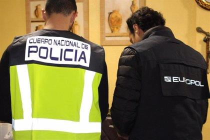 Detenidas 30 personas en una operación contra el amaño de parejas de hecho con inmigrantes en Sagunt (Valencia)