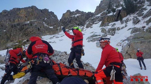 Los Bombers de la Generalitat han rescatado a seis heridos que hacían escalada en Setcases (Girona)